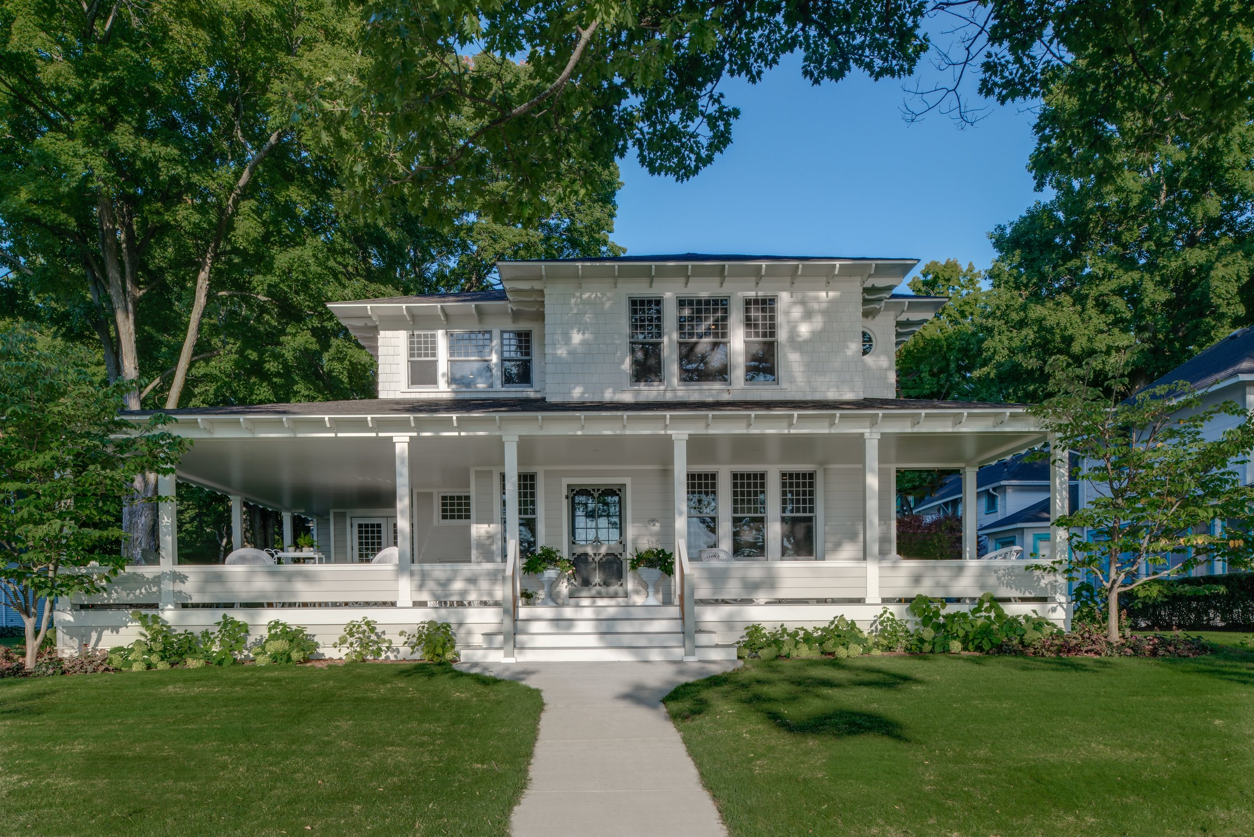 Michigan gated community custom home and remodeling portfolio by the best construction builders, Birchwood Construction Company.