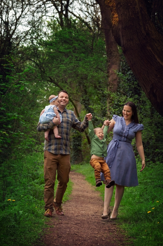 Outdoor family photography Gloucester