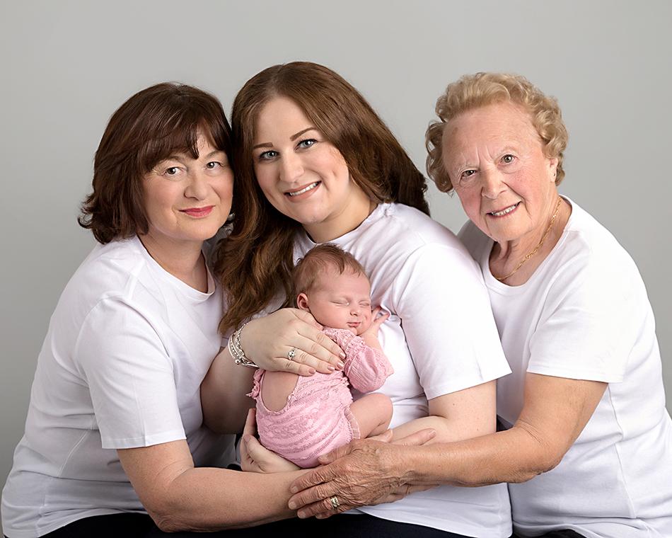 Four generations photoshoot Elisabeth Franco Photography