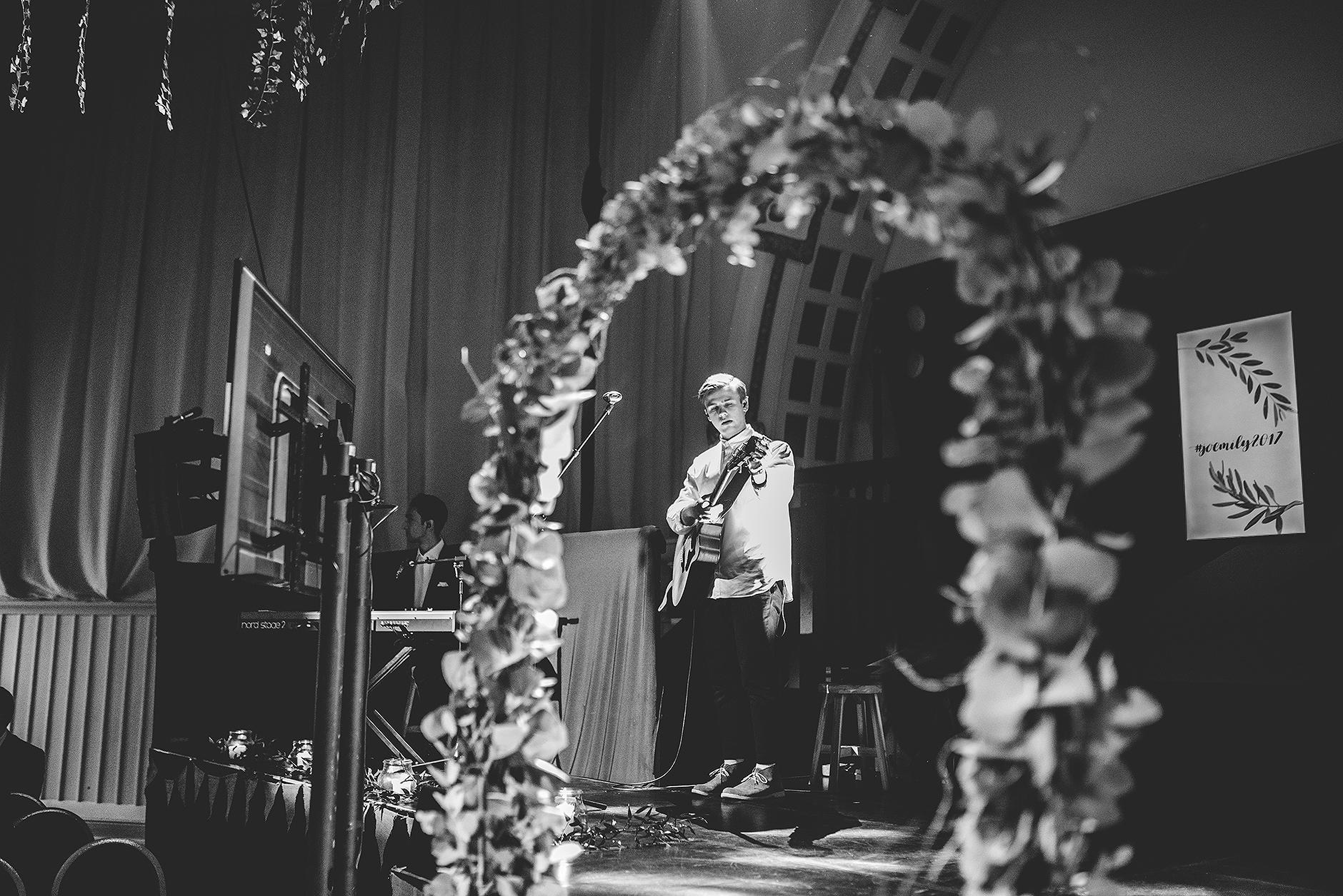 newcastle-clayshed-holly-rose-weddings-EMILYJOE_148(pp_w1880_h1255).jpg