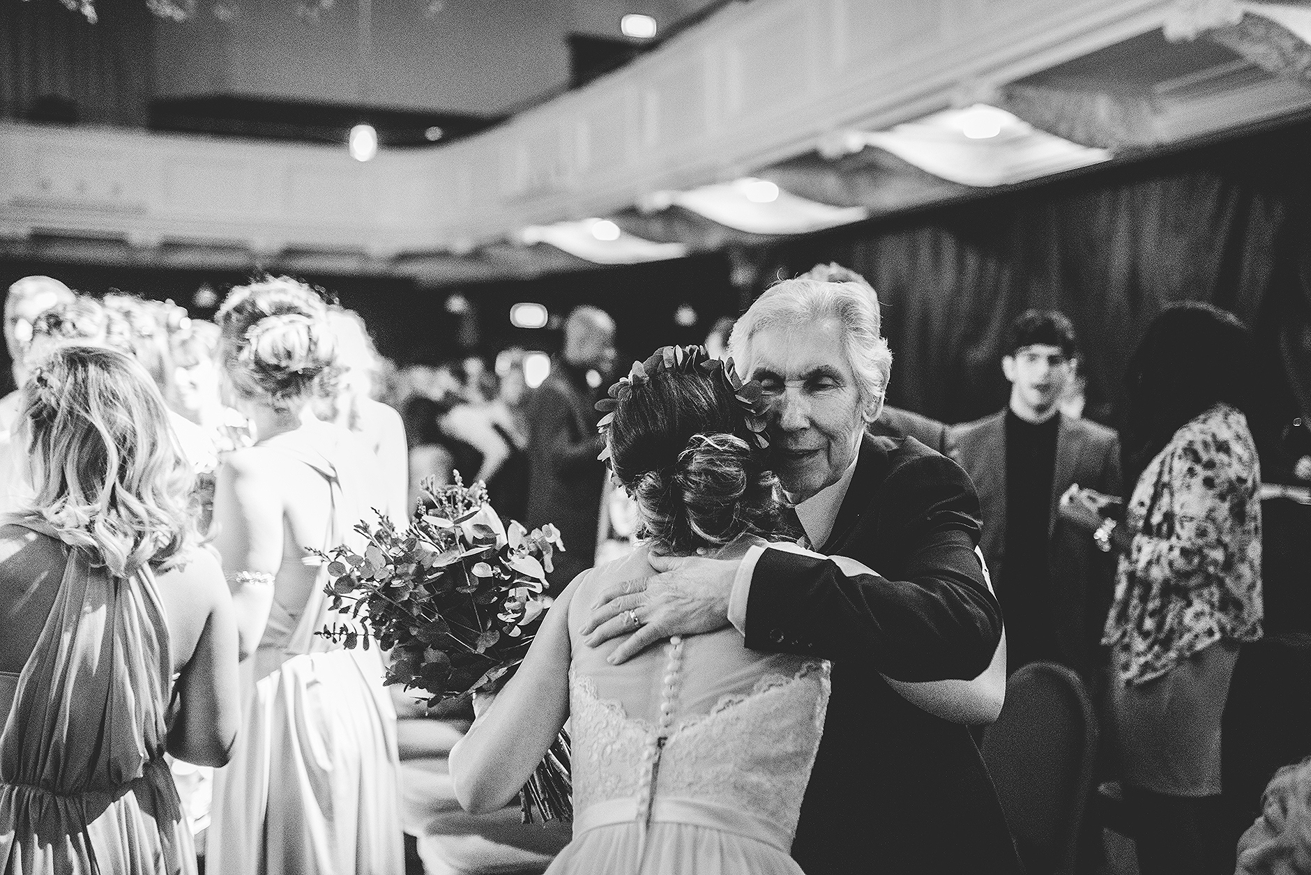 newcastle-clayshed-holly-rose-weddings-EMILYJOE_268(pp_w1880_h1255).jpg