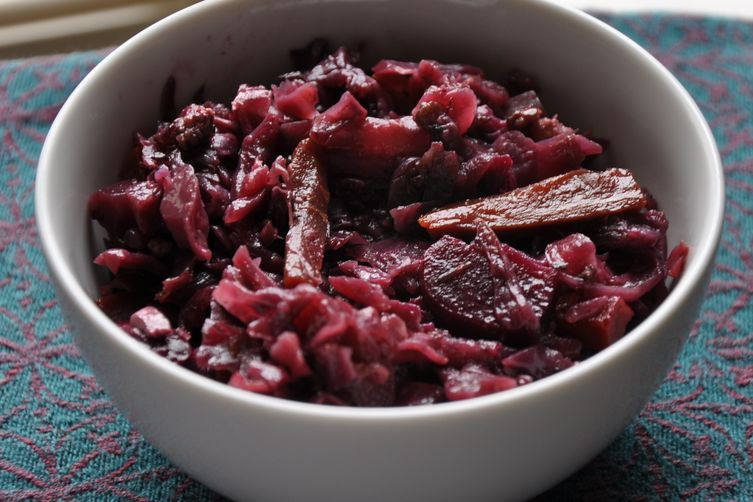 2c92584b-a493-4f1d-ac2d-811834977771--Braised_Beets_Carrots_and_Red_Cabbage_092411.jpg