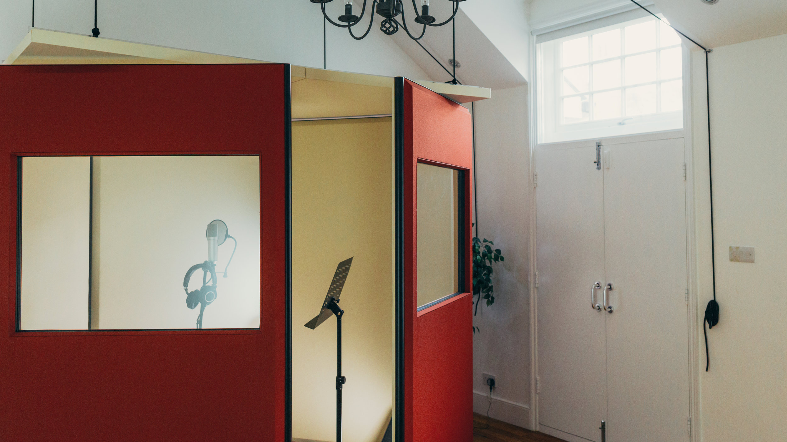 VOICE OVERS - FROM £75/hr