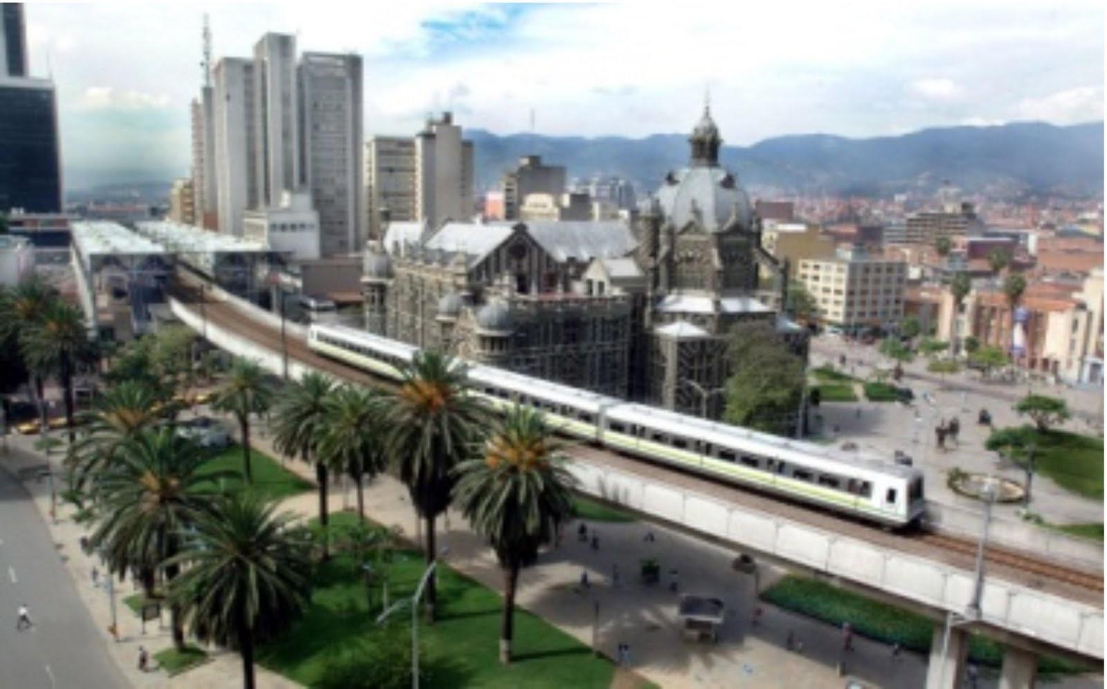 PANPB005 Panoramica Metro Medellin Cortesía de Medellin.travel Greater Medellin Bureau.jpg