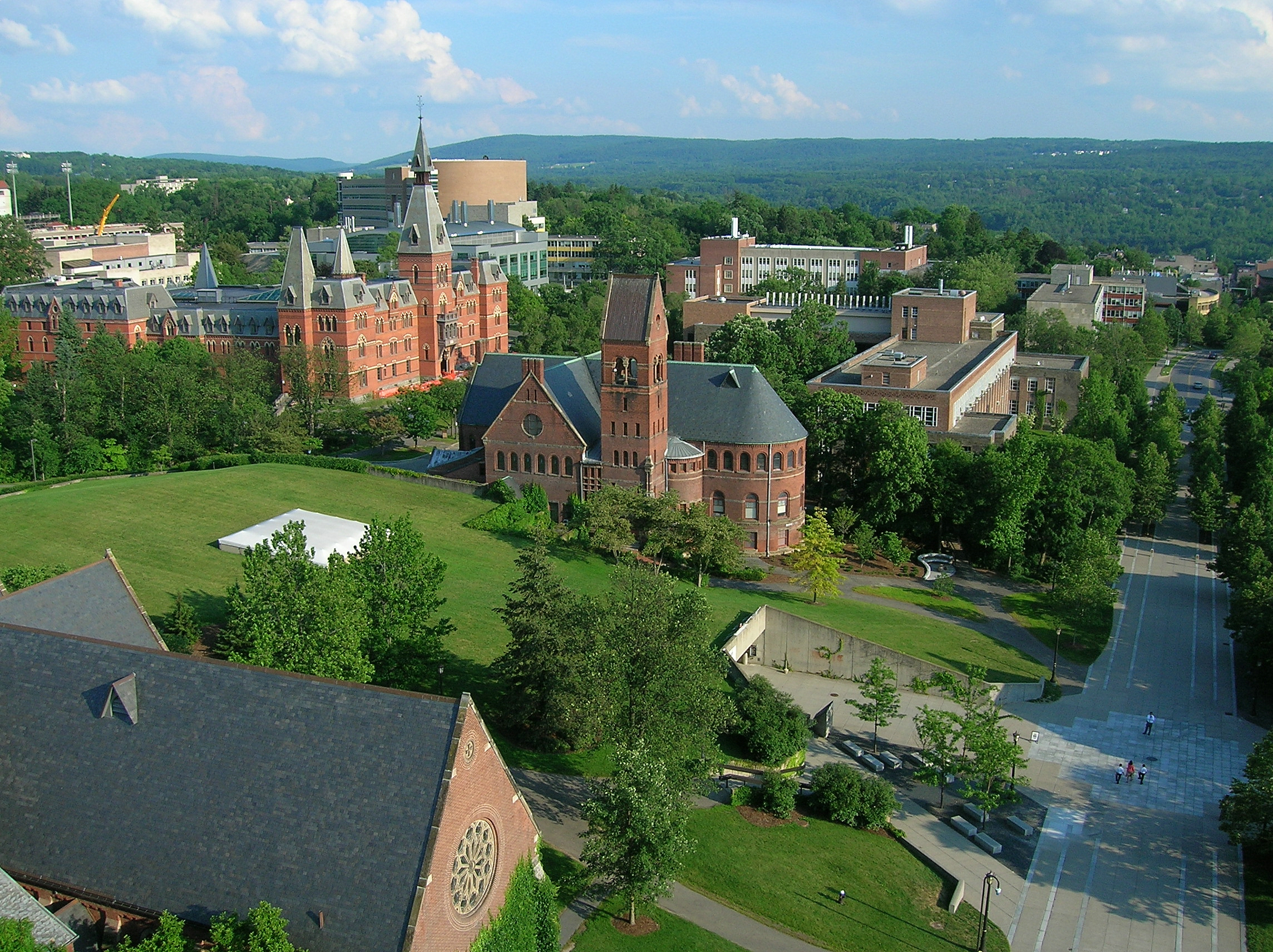 Cornell_University,_Ho_Plaza_and_Sage_Hall.jpg