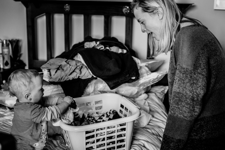 documentary-family-session-laundry.jpg