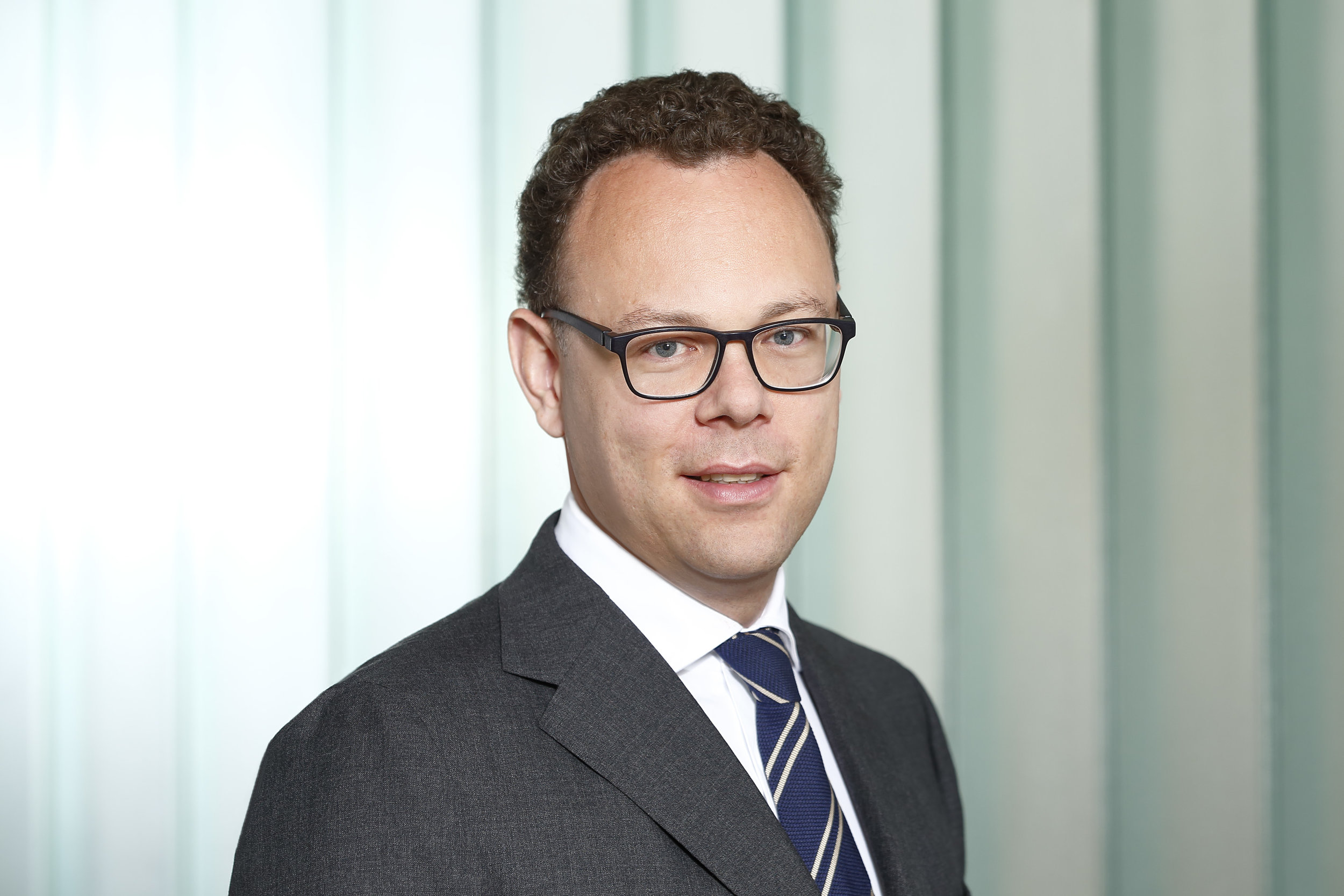Christoph Lüders - Dr. Christoph Lüders studied business administration in St. Gallen and London and earned a doctor's degree from the University of St. Gallen (HSG). During his work for the holding of the family owned Oetker Group he did an LL.M. in Münster.In 2012 he joined the consulting business owned by his family and took over the task to extend the business consulting part. Together with his brother he is actively involved in the process of taking over the business as well as digitalizing the company.Professionally he is focused on M&A and the digitalization of business processes. Besides this he is an expert in company valuation and took the CVA exam in 2017.During his leisure time he tries to spend some hours on the water sailing in the summer and some hours on the ski run during winter times.