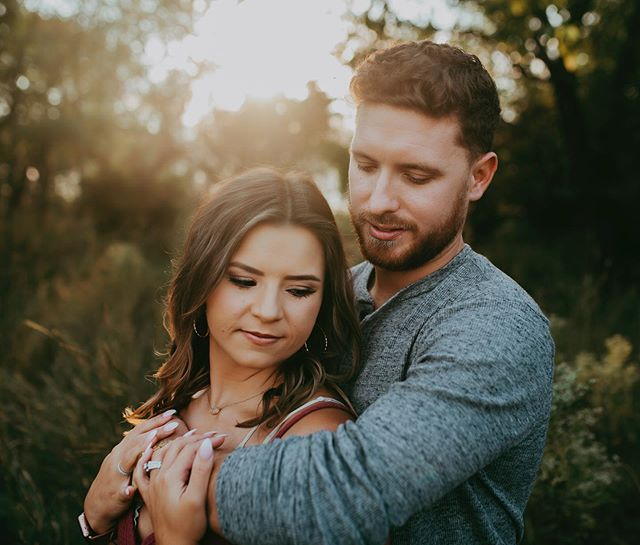 I love when couples want to take pictures to capture special moments like a one year wedding anniversary. Congrats on one year and many more to go!