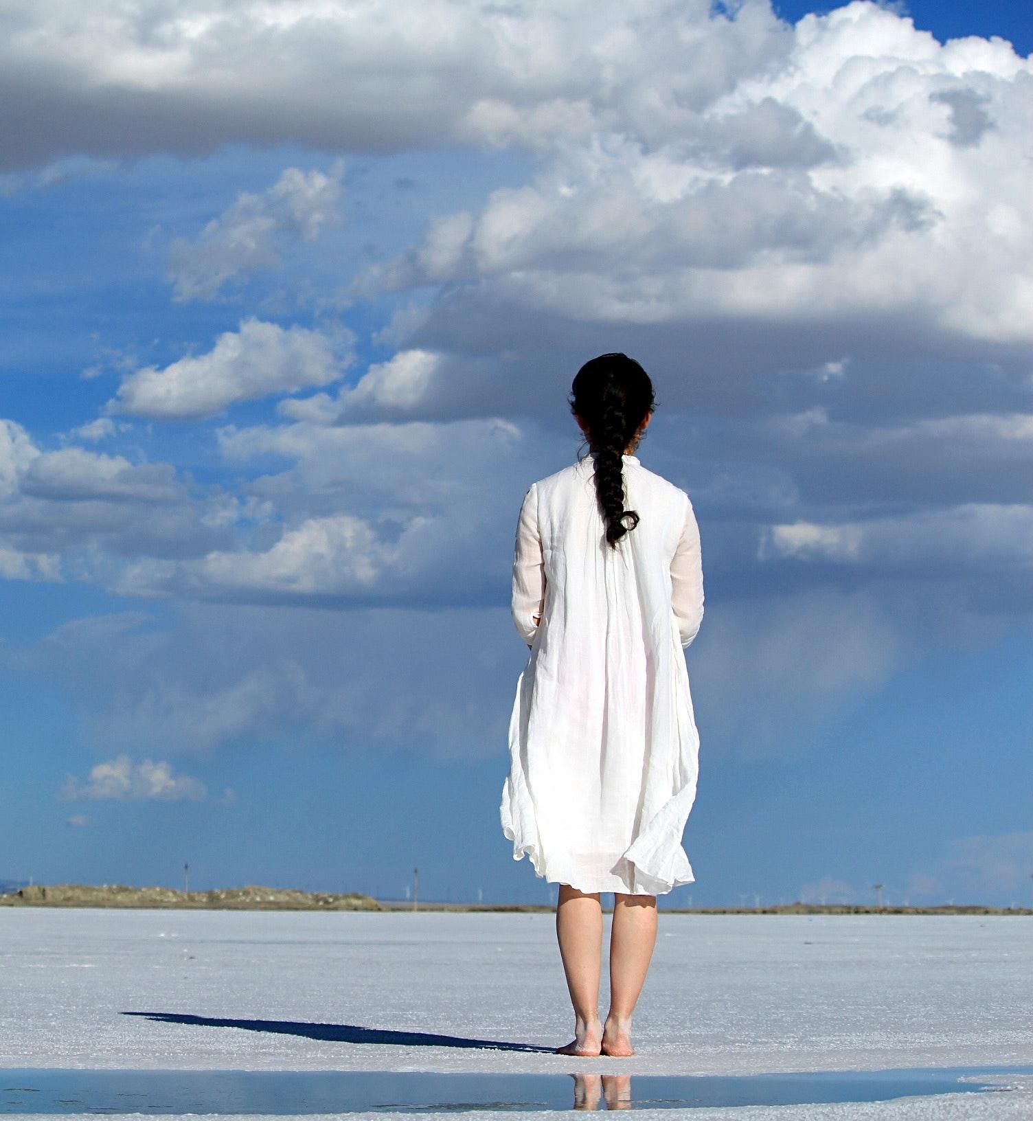 blue-sky-clouds-dress-247304.jpg