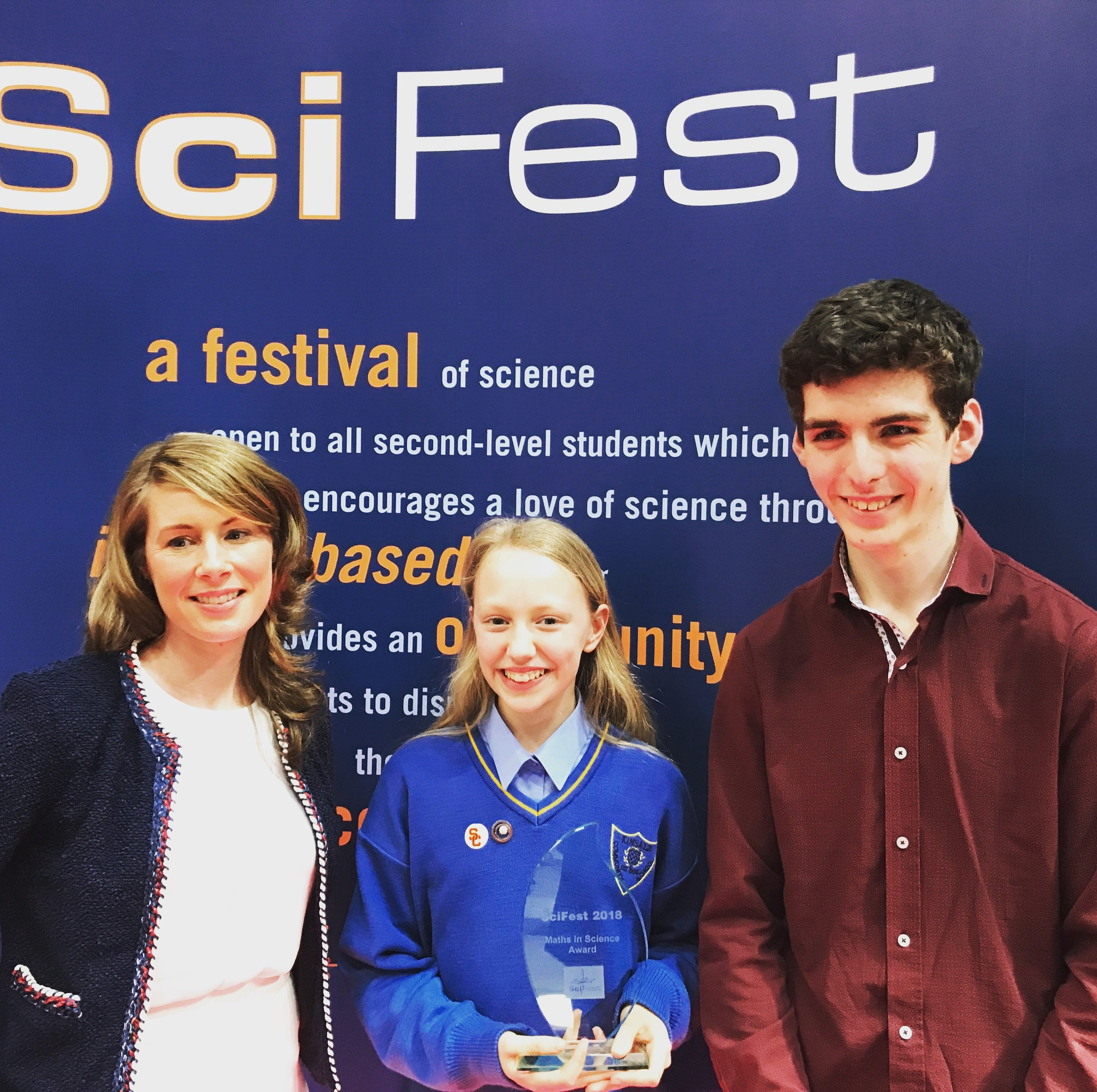 Dr. Sharon Lawton B.Sc Ph.D of Cork Institute of Technology with award winner Sarah Fitzgerald and BTYSTE 2018 winner Simon Meehan at the Sci Fest 2018 Award. Well done to Simon on his amazing work.