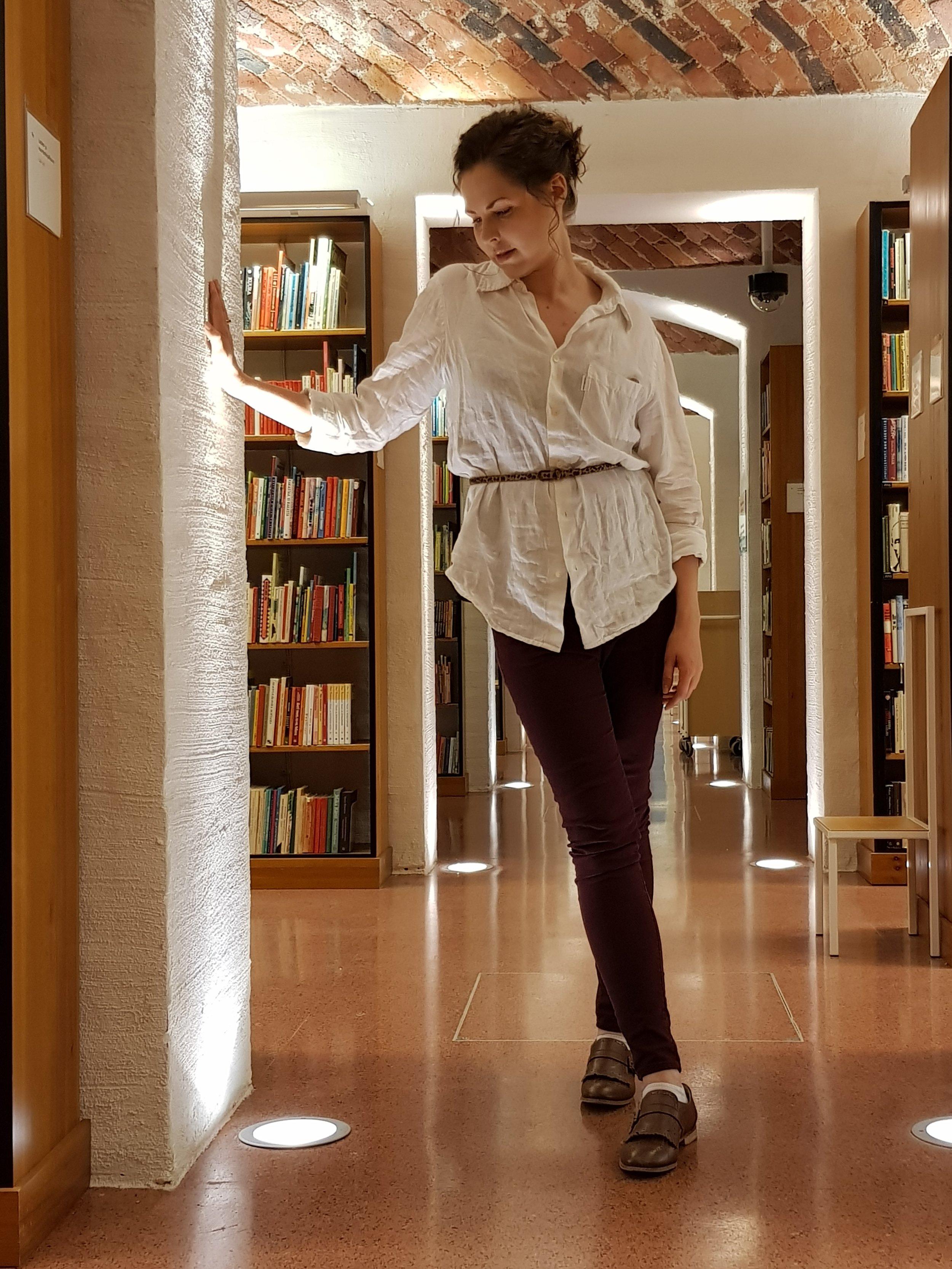 Kirjastovahtia alkaa kohta nukuttaa SKS:n kirjastossa.