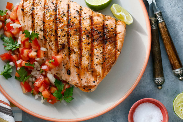 Salmon With Salsa Fresca