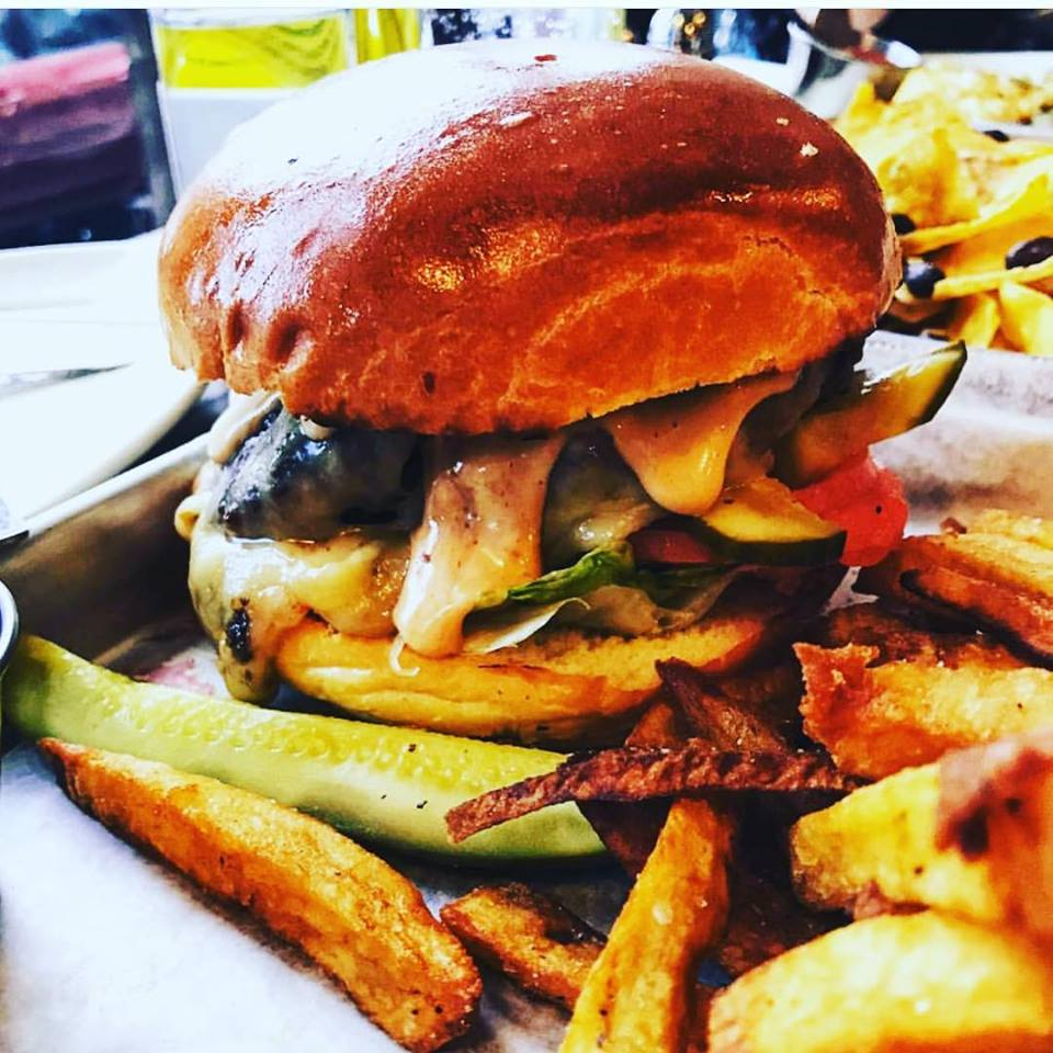 burger buddys.jpg