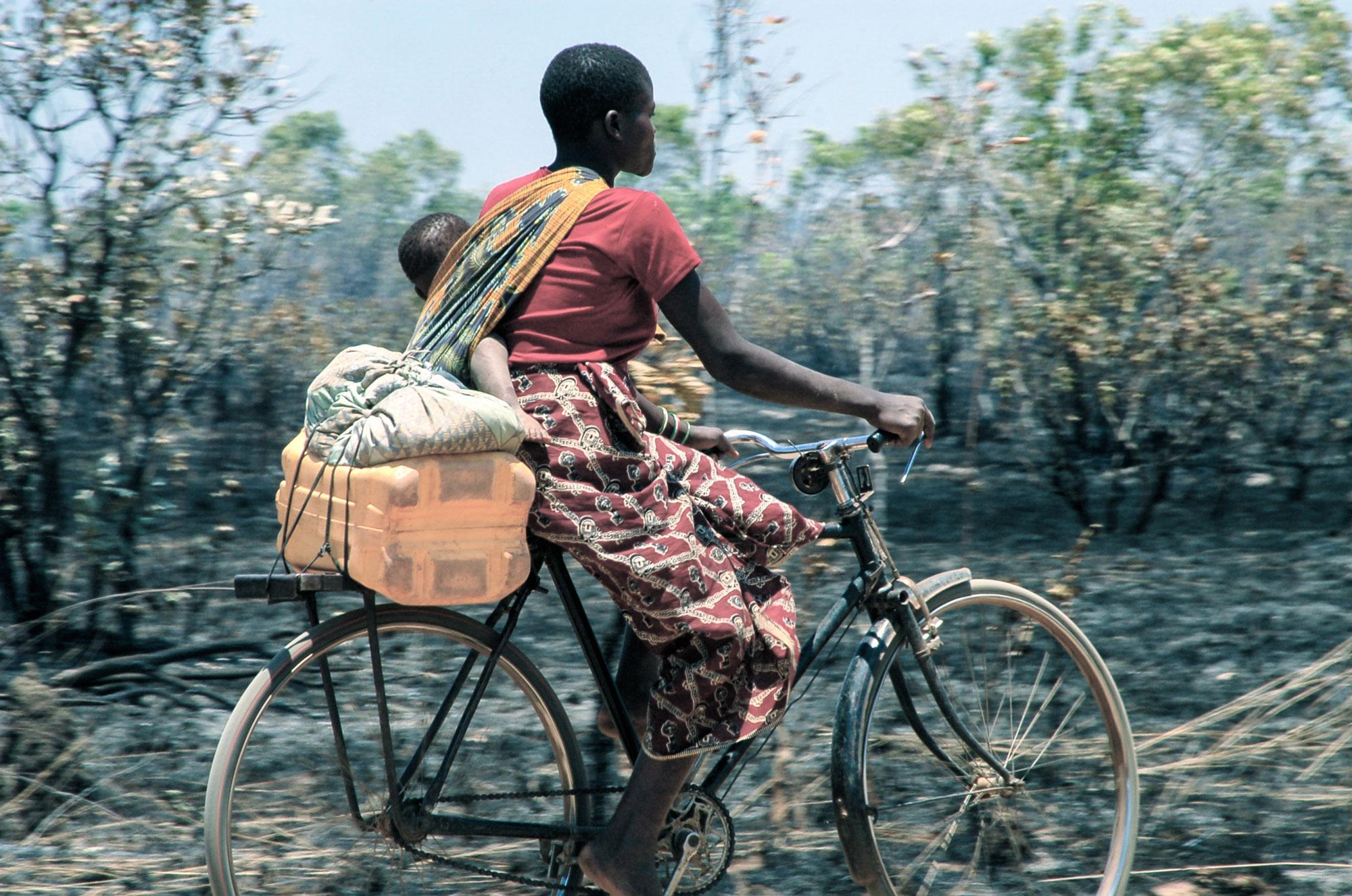Mozambique-biker.jpg