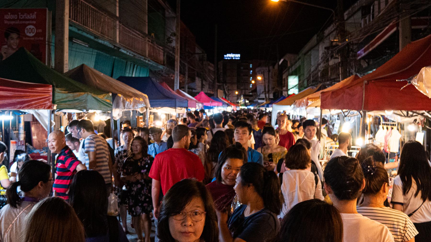 08-nightmarket-4.jpg