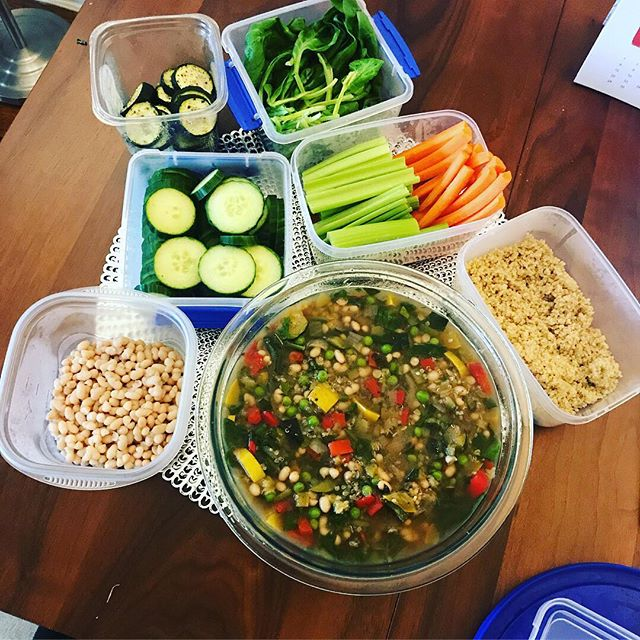 Meal prep life! #cantstopwontstop 🌟 #liveinspired #healthcoaches #mindbodysoul #mindbodygram #holisticliving #healthyhappylife #wellnessjourney #nourishyourself #loveyourbody #healthyhabits #livehealthy #eatinghealthy #healthbloggers #eatclean