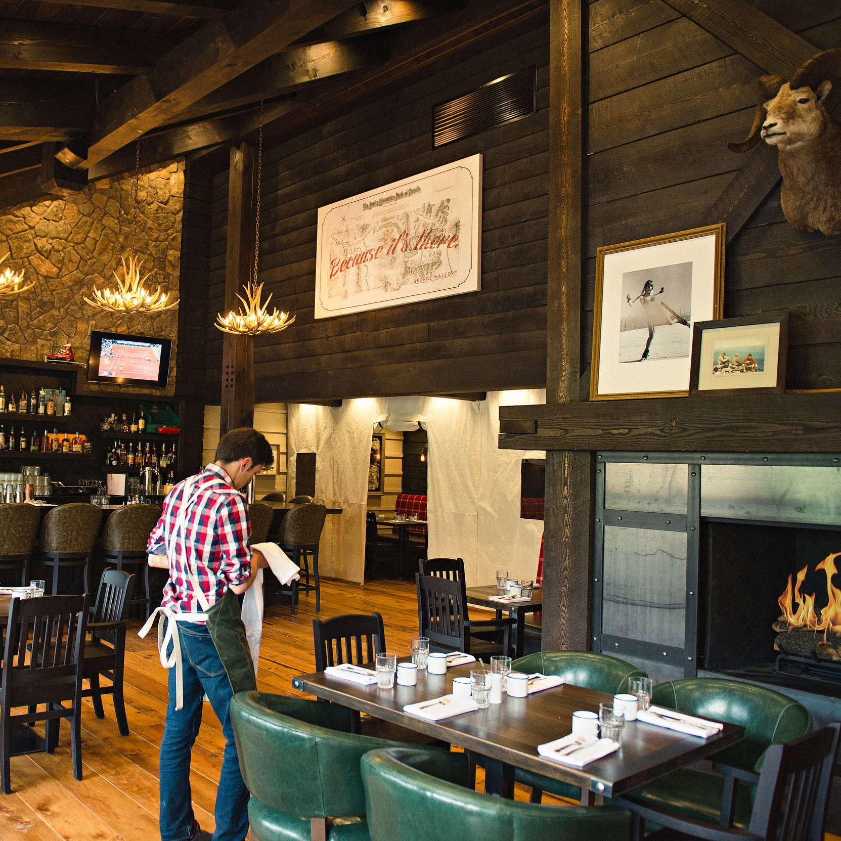 Park Distillery Guides room in downtown Banff