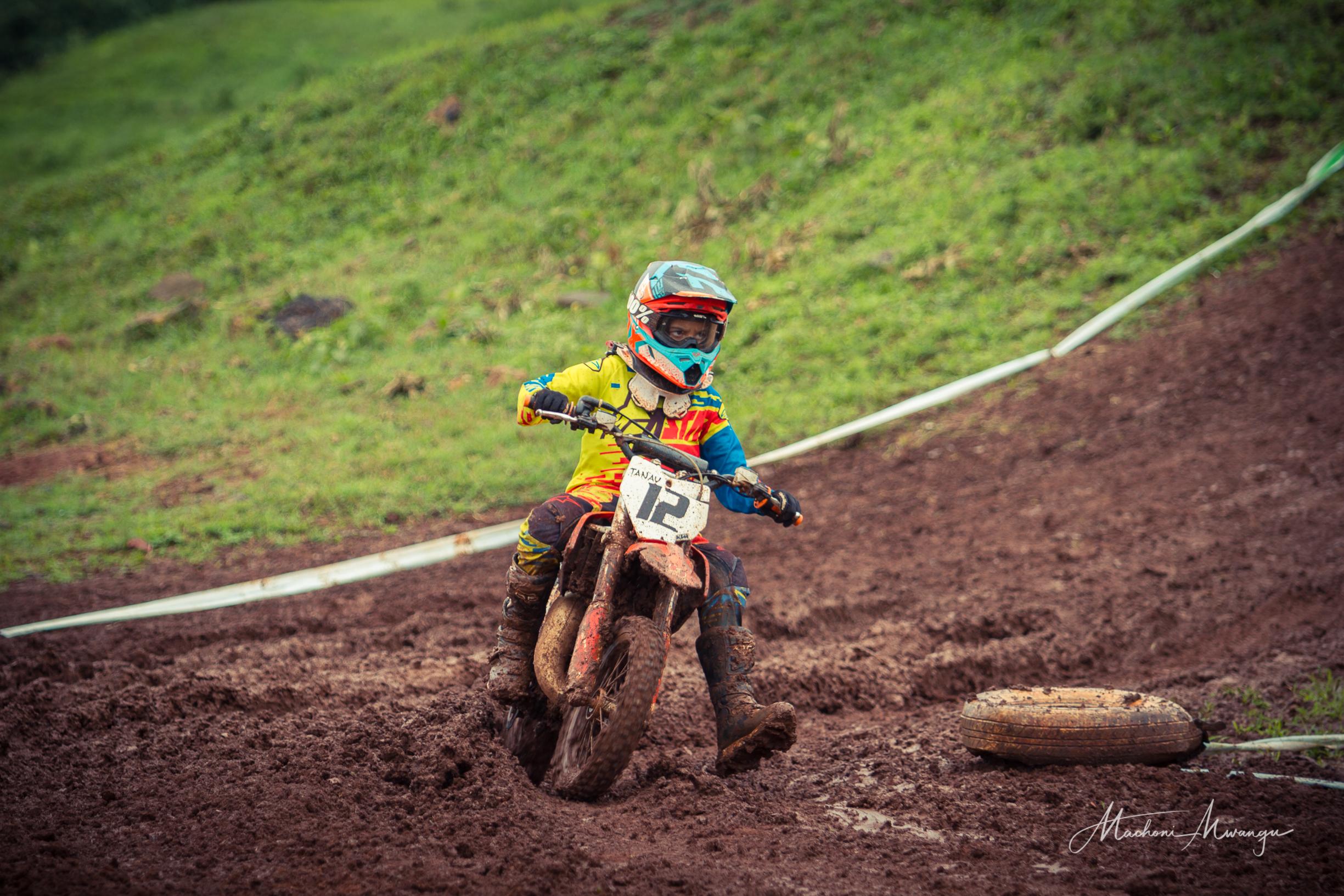 Motocross 12-1.jpg