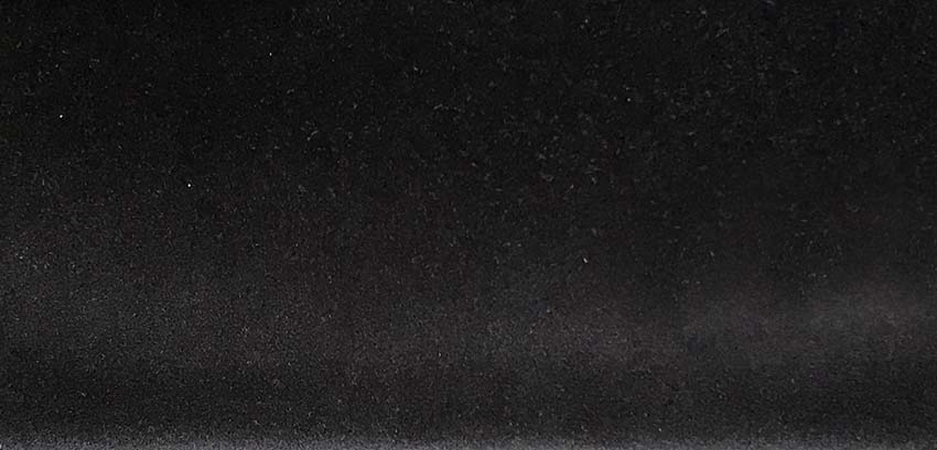 Black • AMSTERDAM 02