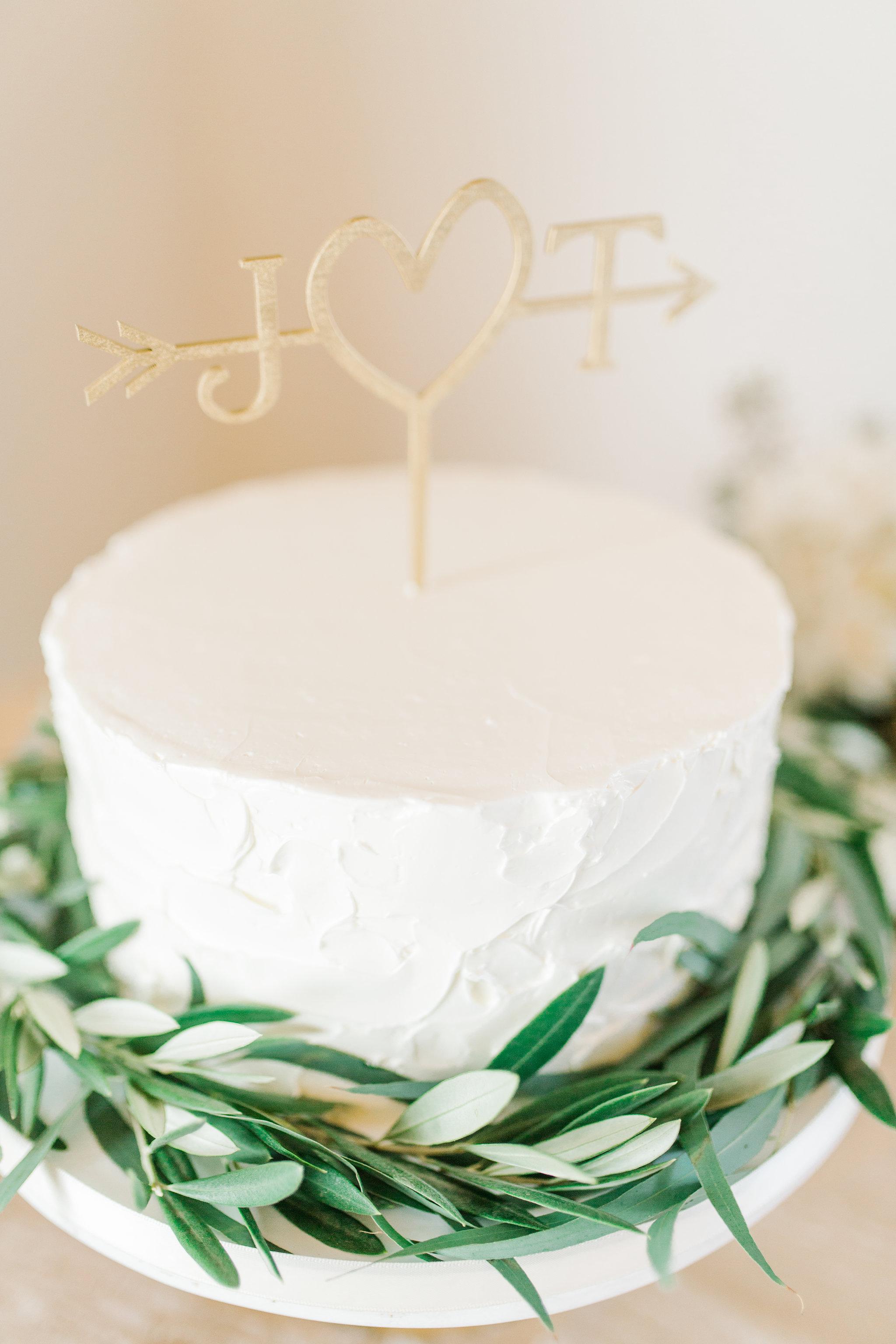 San Clemente, San clemente beach wedding, the casino san clemente, simple wedding cake olive greens, initial wedding cake topper, minimalist wedding cake