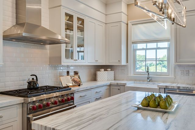 Roslyn Landing is an unprecedented condominium development, offering every amenity of metropolitan living and every luxury of Long Island's storied Gold Coast. •⠀⠀⠀ •⠀⠀⠀ •⠀⠀⠀ #kitchendesign #cooking #interior #homedecor #decor #interiors #decoration #kitchen #myhome #homedesign #house #homesweethome #interiordecor #interiorstyling #instadecor #modern #homestyle #designer #realestate #realty #luxuryrealestate #luxury