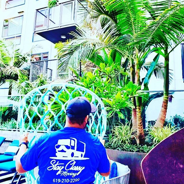 Beautiful day in San Diego for a move! Call Stay Classy Moving today! 🌴😎☀️📞☎️📱💪🏼 🔹 🔹 🔹 #PacificBeach #PB #Apartments #BestMovingCompany #MovingTeam #Moving #MovingCompany #MovingCo #MovingSanDiego #Movers #SanDiegoMovers #SanDiego #SD #MovingSD #SDMovers #MoverNearMe #MoversNearMe #MovingRates #MoverRates