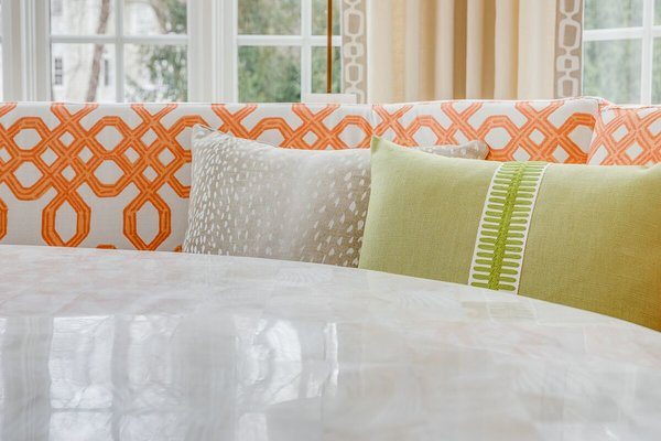 rsz_maria-causey-interior-design-dc-great-falls-redesign-project-nook-pillows.jpg