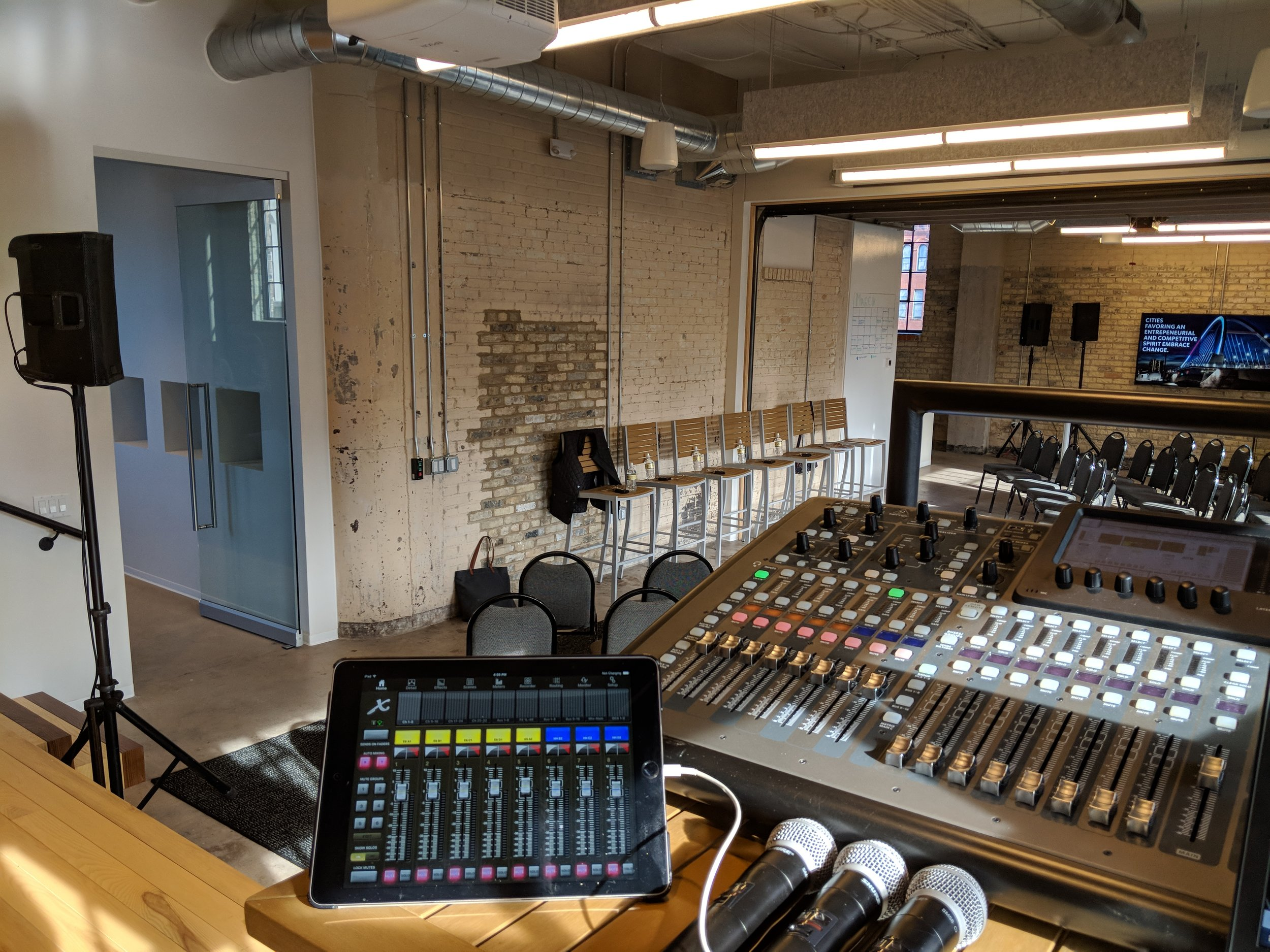 Picture of AV for You microphone rental in Minneapolis