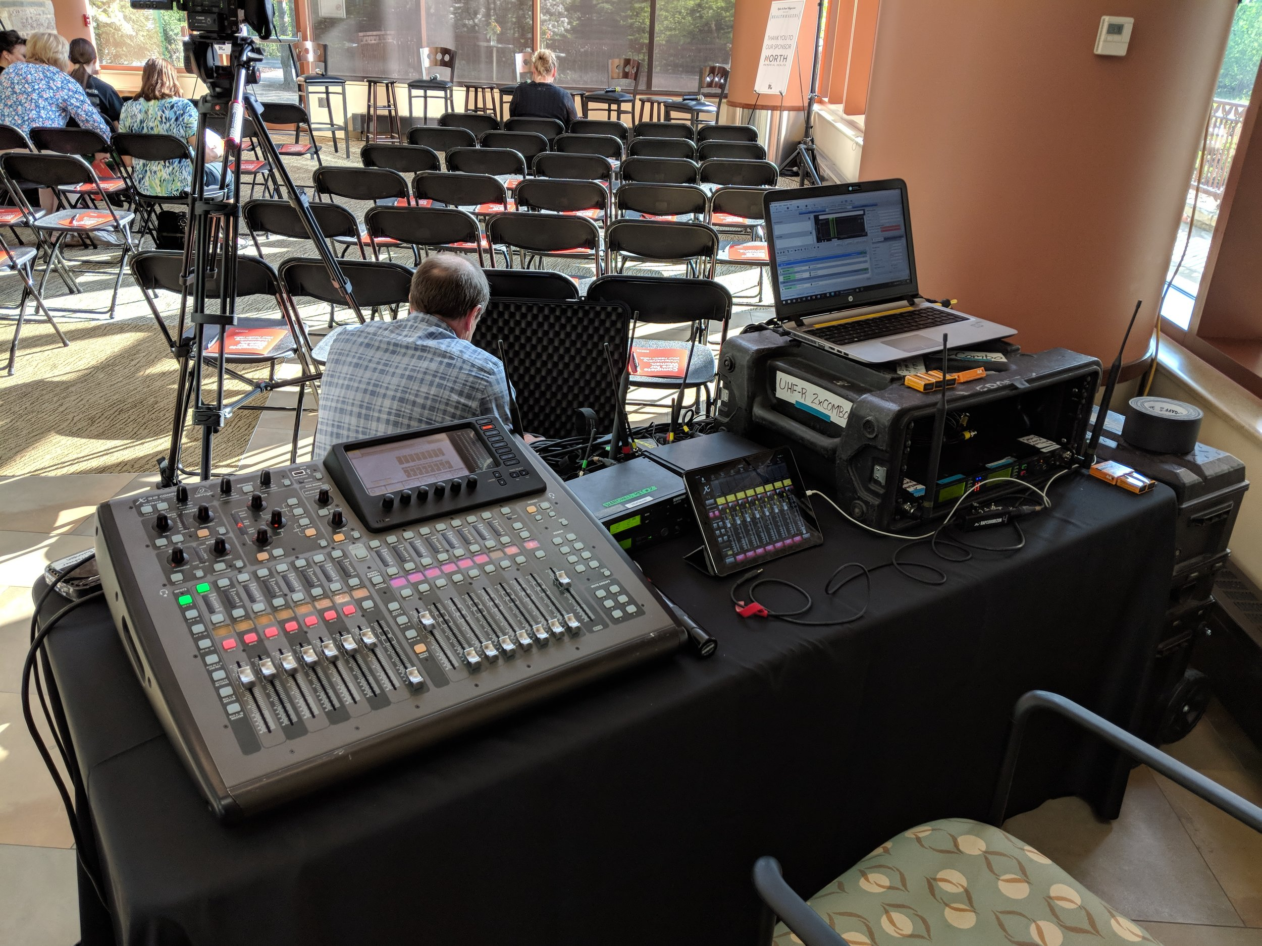 Picture of AV for You tech table at the Healthmakers Forum at the Maple Grove Medical Center