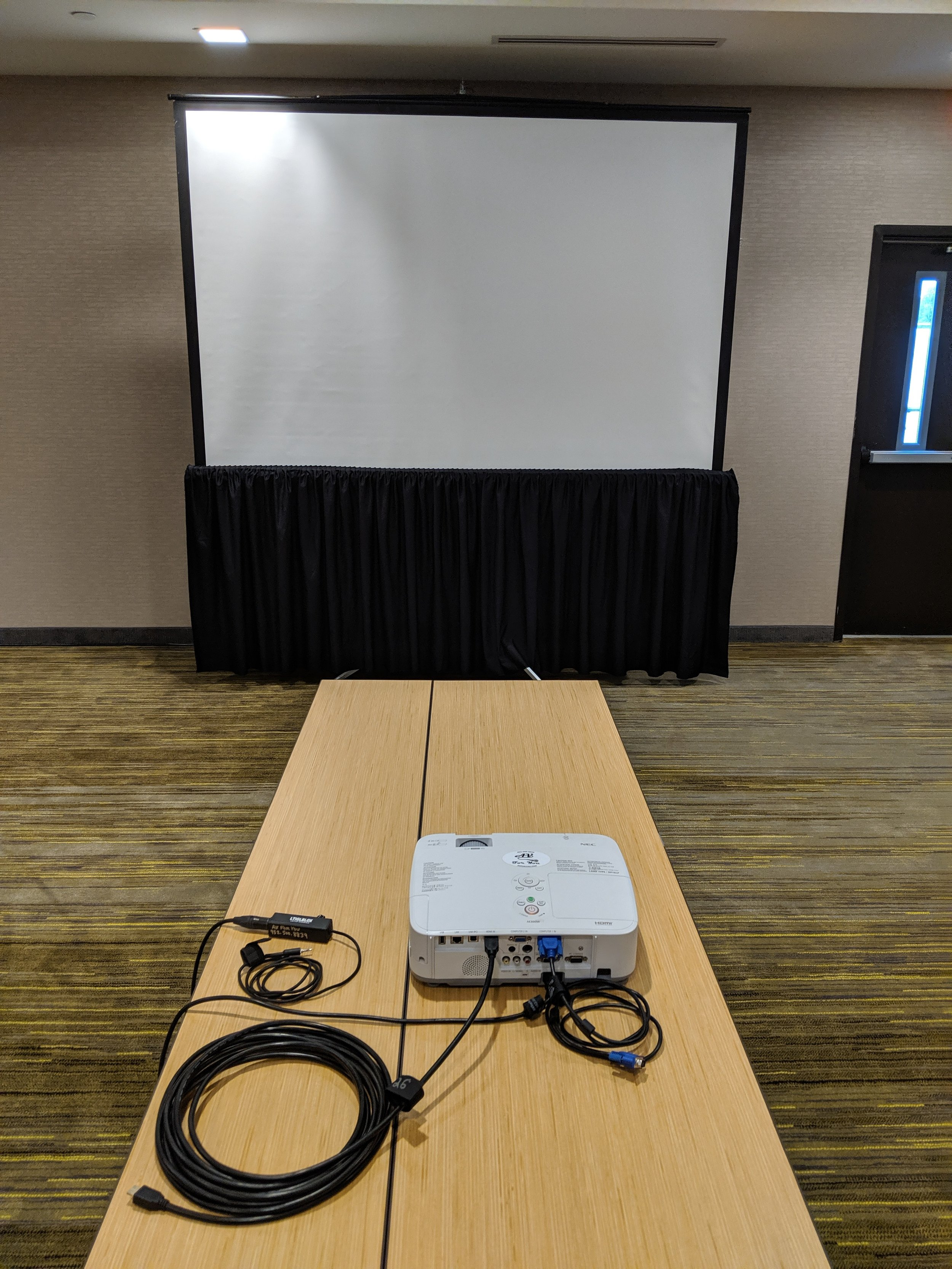 Picture of AV for You Projector and Screen Rental for a Meeting at the Courtyard by Marriott in Woodbury
