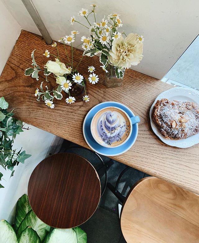Floral lattes & almond croissants. 😋 @chelsea_chang26