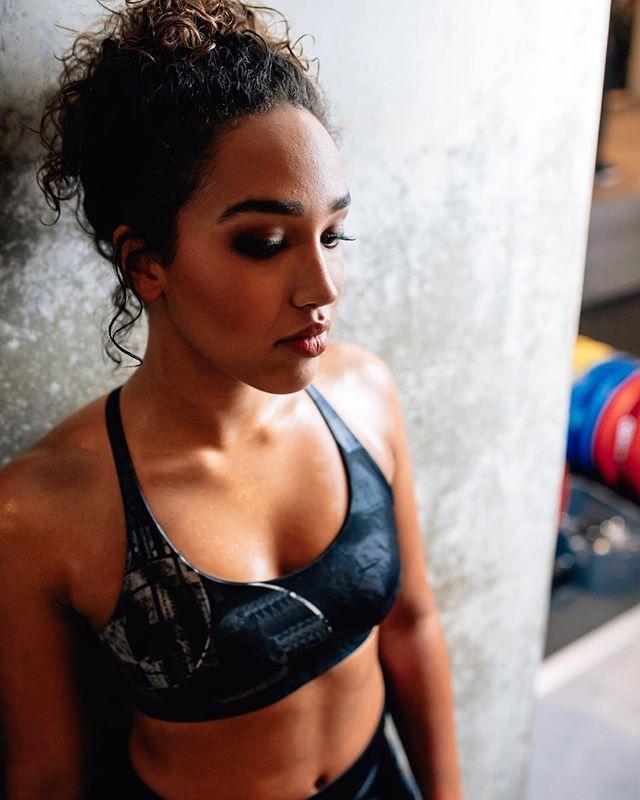 @nienstagram_ voor @metro fashionshoot. #gymmotivation #gustavgym #metronederland #badassgirls #gymmotivation #sportphotography #sweatitout
