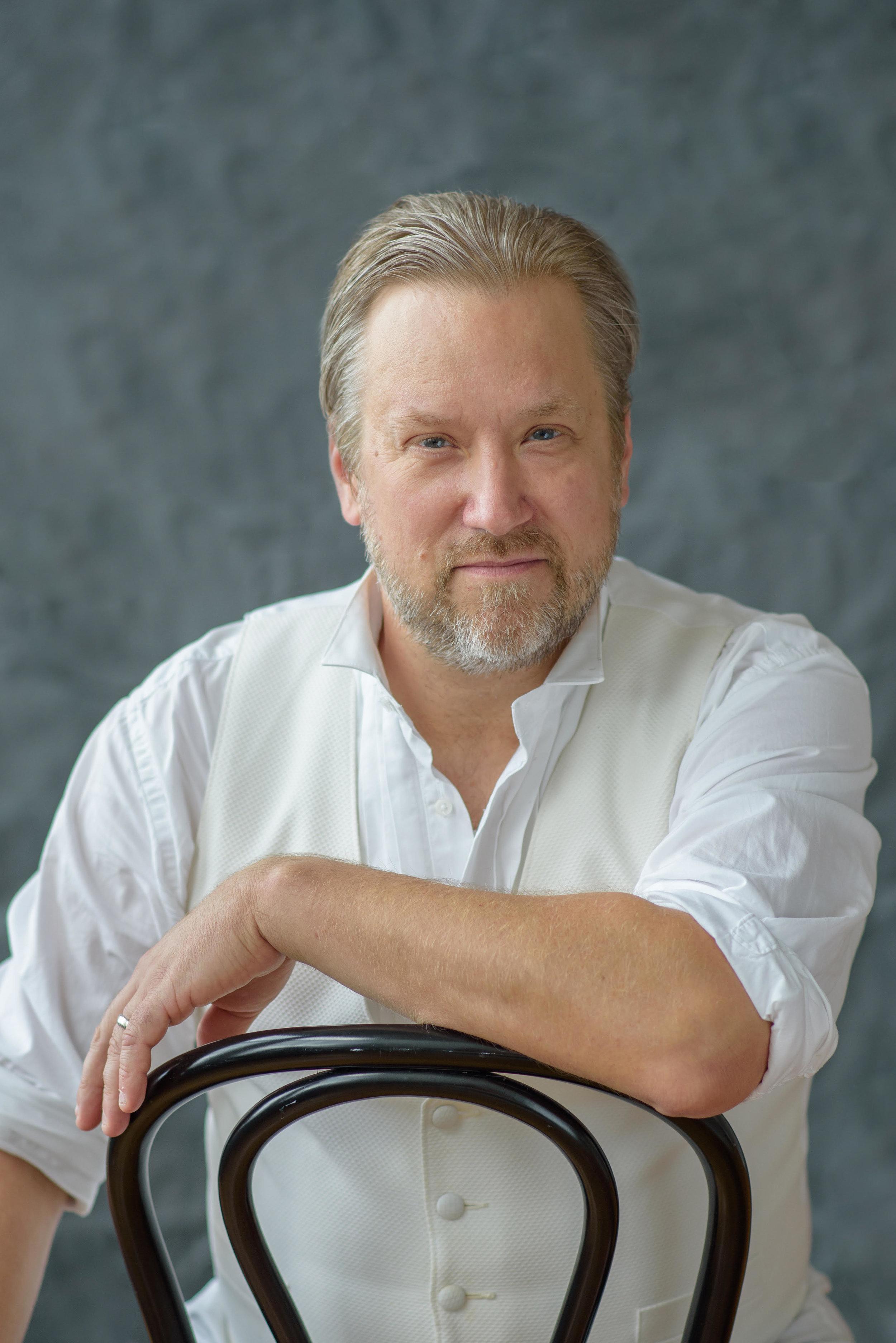 Alan Schneider - tenor