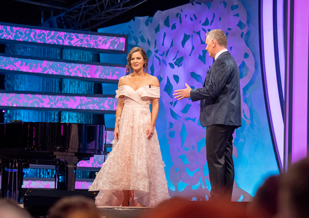 Sydney Rose Rebecca Mazza on stage in Tralee with host Daithi Ó Sé. Picture: Dominick Walsh