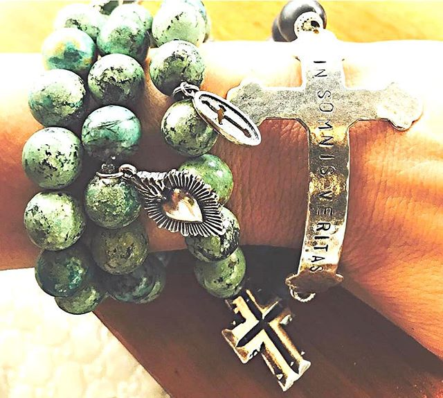 Happy St. Patrick's Day! Today we wear Green which is our African Turquoise stack! (help ease mood swings, encourage acceptance and soothe feelings of emotional aggravation resulting in a more optimistic attitude towards life.) Shop here; https://www.houseofsacredflame.com/womens-bracelet/santos-3-set-new . . .  #stpatricksday #green #africanturquoise #good #stability #attitude #optimistic #faith #mood #today #holiday #springbreak #l4l #like