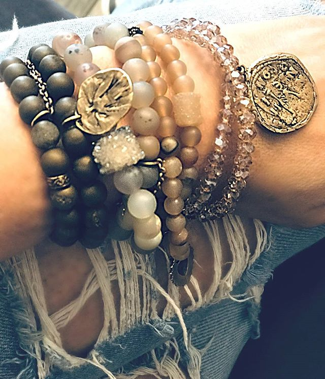 What we classify as stacks on stacks! Our Druzy, and blush Crystals are taking over! Shop this look; https://www.houseofsacredflame.com/womens-bracelet/druzy-new . . . #layer #styleinspo #jewelrymaking #jewelryoftheday #feature #designers #customized #customerappreciation #thankyou #shoplocal #wheregritmeetsglam #crystal #organic #gems