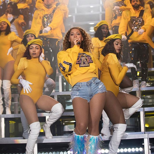 Just sitting here waiting to hear when and how your fave will do even half....? Make sure you @ me and let me know 🐝🐝🐝 Beyoncé X Balmain charitable collection to launch this Friday, July 13th.  Proceeds from the collaboration will benefit the United Negro College Fund, following Beyoncé's $100,000 donation to four historically black colleges after her Coachella set 👨🏽🎓👩🏾🎓👨🏿🎓✨✨ 🐝🐝🐝 #Repost @beylite2.0  Beyoncé x Balmain will be available on July 13 at Balmain's Paris flagship and from July 14 online and at select retailers; tees, $290; sweatshirts, $550–$1,790 via Vogue