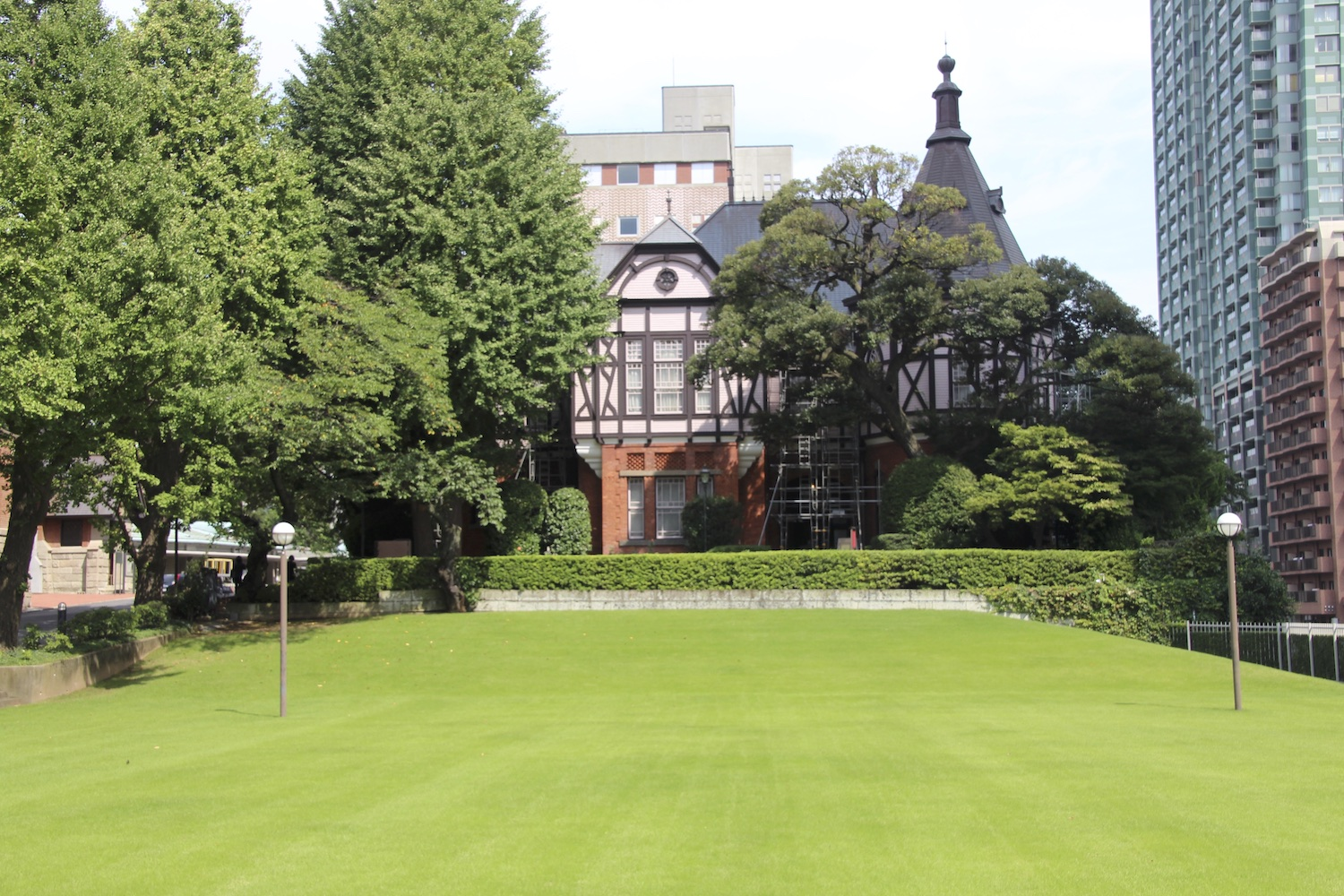 Meiji Gakuin's Memorial Hall (明治学院記念館) was built in 1890.