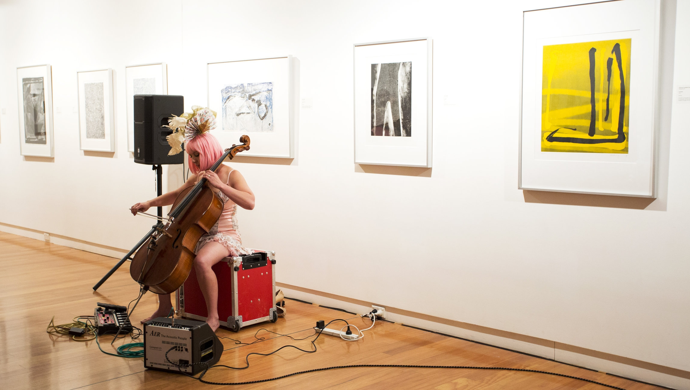 Clare Brassil wearing a custom made Papel (Paper) wearable for the launch of Cello Riot album. Image @jacobpraupach