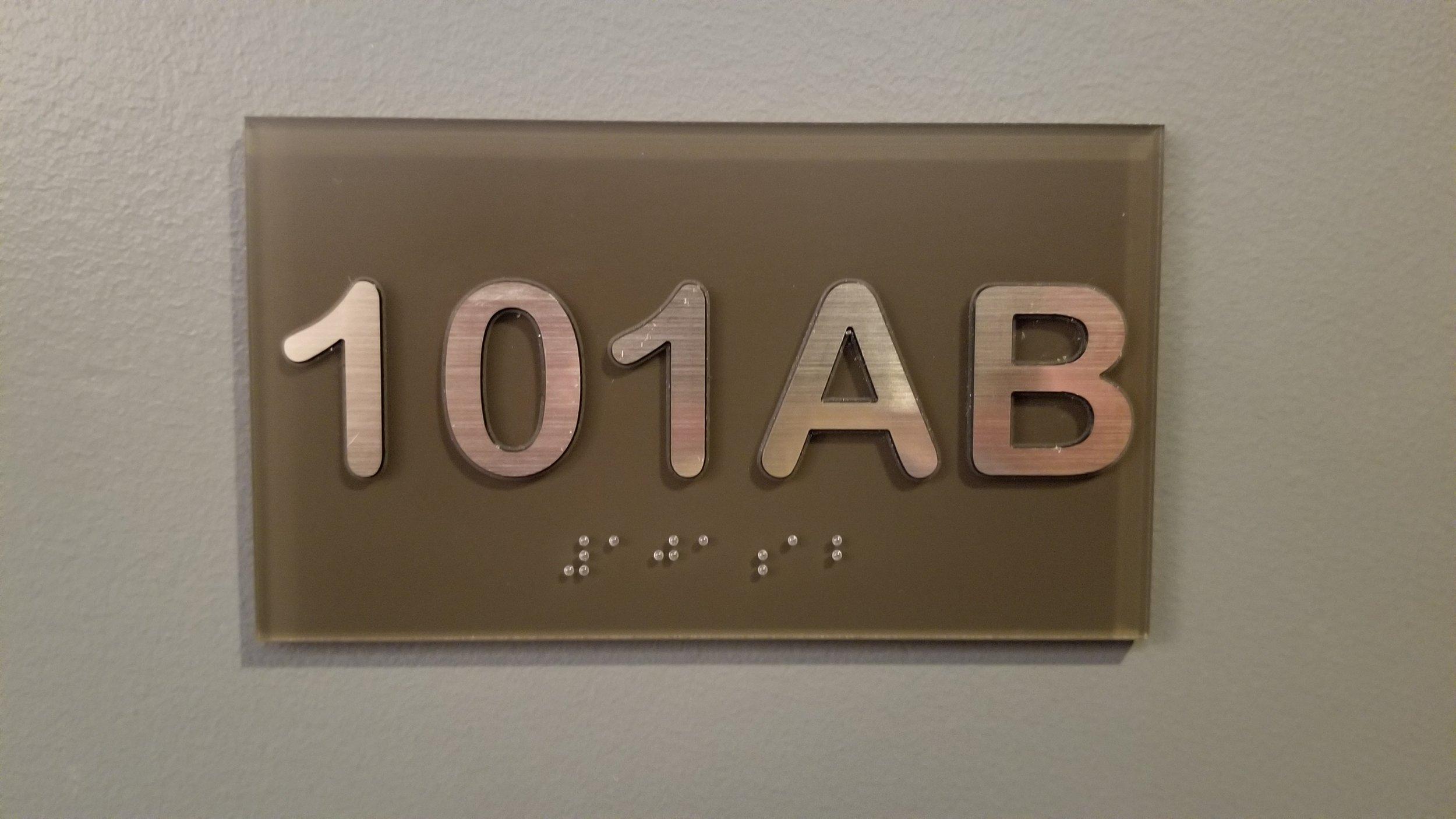 101ab.jpg