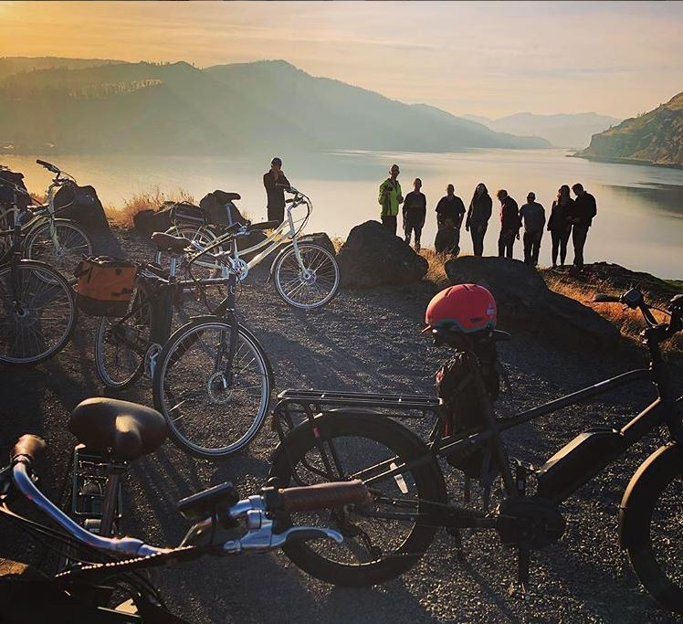 Whether you want to ride the fruit loop, take a cruise up twin tunnels, or take a mountain bike up to post canyon.  Oregon E- Bikes  is your go to spot. ****Stay with us and get a discount *****