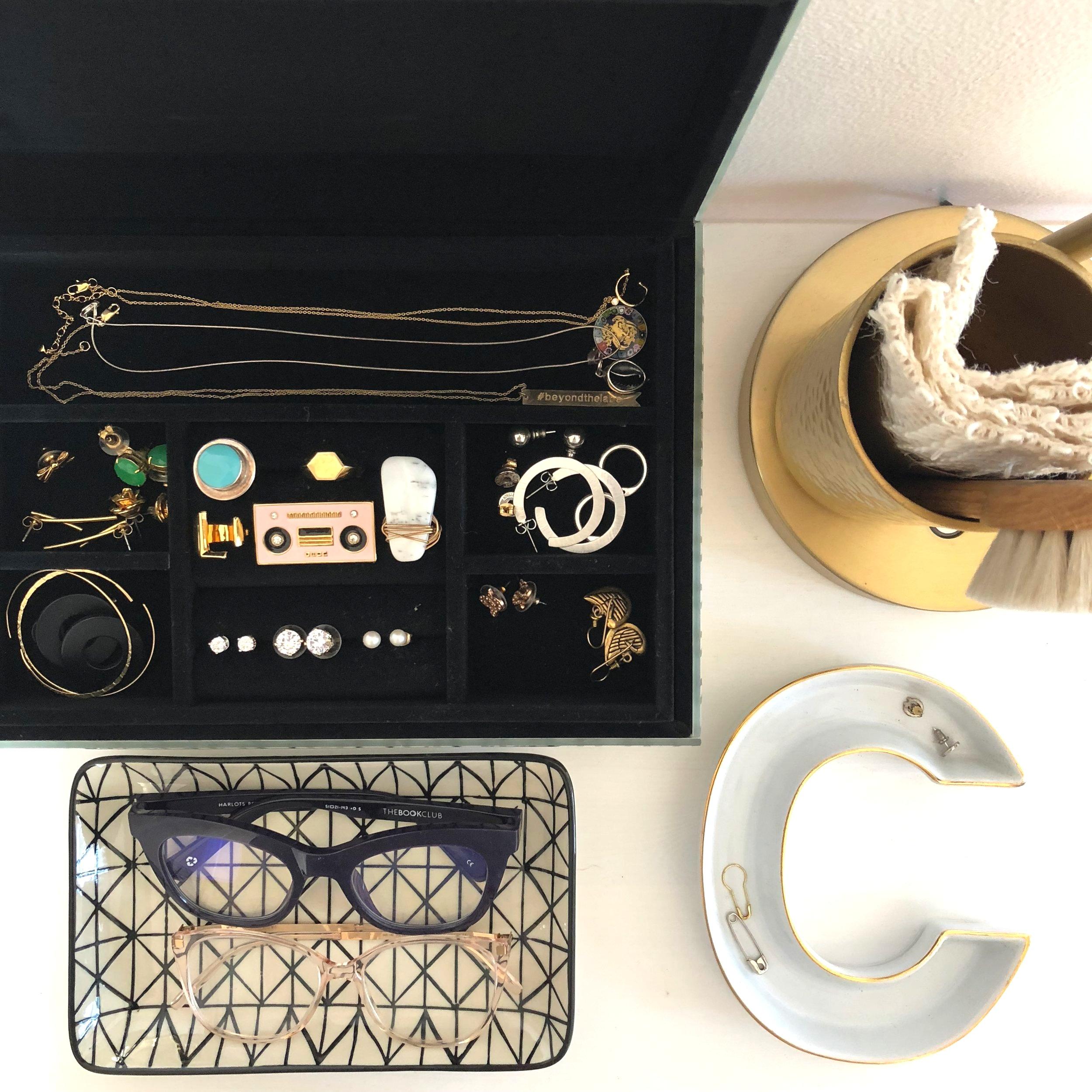 Bedroom_Jewelry_Org.jpg