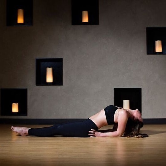 The best place for Yoga in YYC: @breathehotyogayyc 🧘♂️🧘♀️ This studio appeals to everyone, no matter their flexibility, fitness level, or financial capabilities...which is exactly what makes it great! Their inclusive environment and diverse membership passes make this studio the appealing place it is. #yogaforeveryone