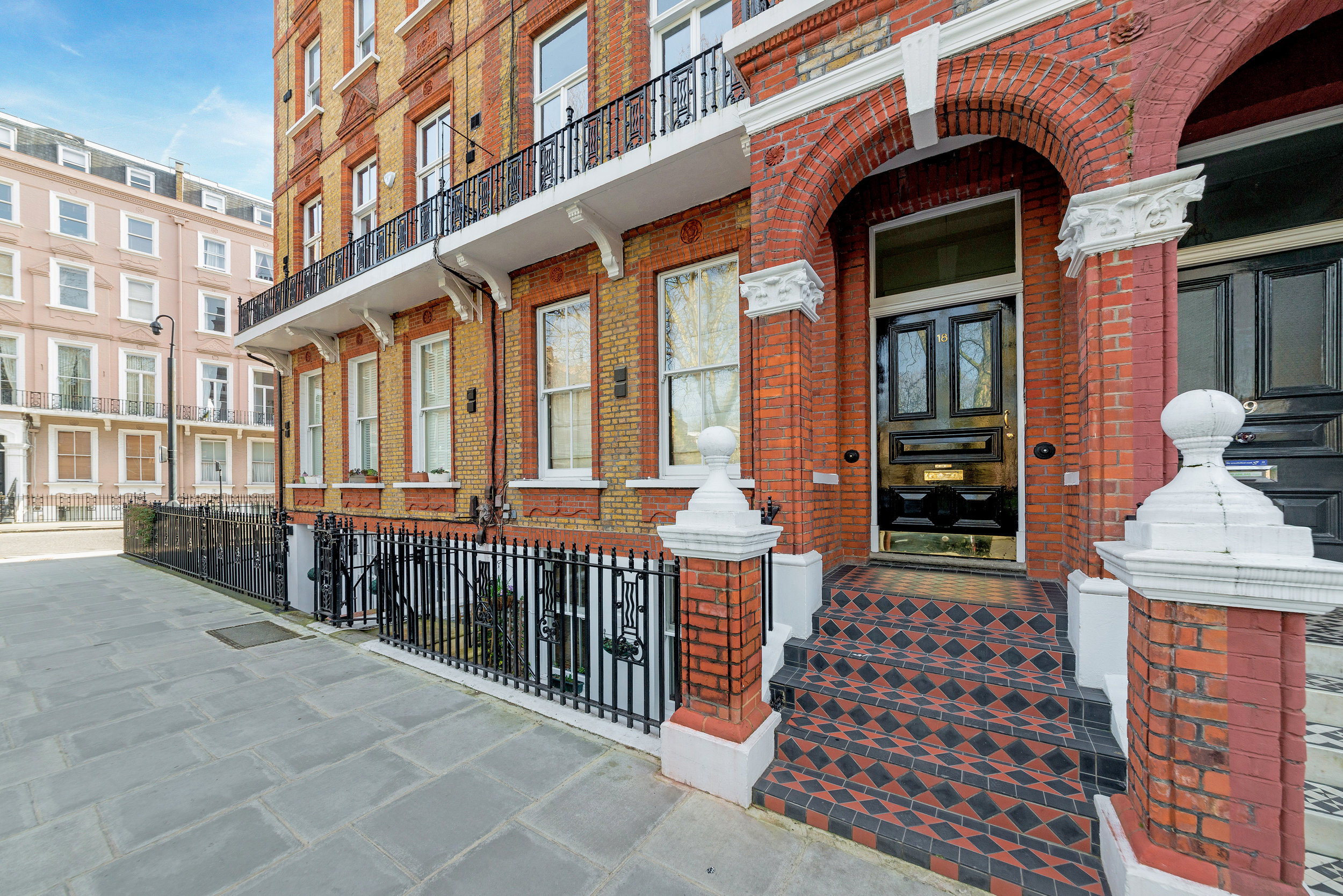 Nevern Square, SW5 -