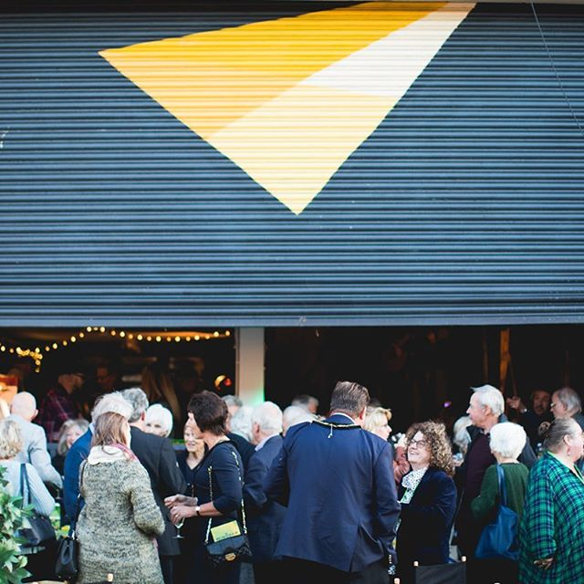 The 2018 Windsor Fringe launched in style on Friday, with a jam-packed programme planned over the next two weeks.  Via @windsorfringeuk & @loadingbaycafewindsor 📷 @minustonematt