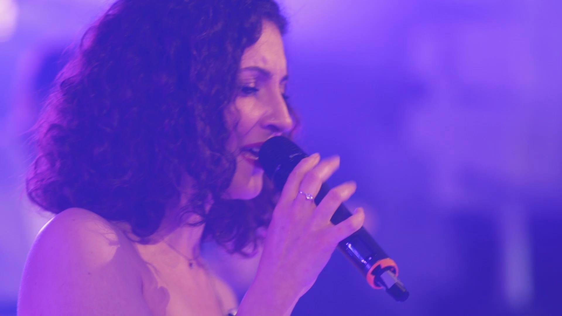 Marina Deligianni - Lead Vocalist   Μαρίνα Δεληγιάννη - Τραγούδι