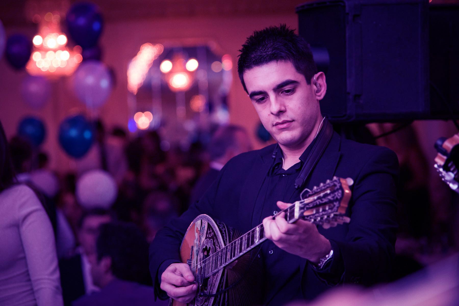 Odysseas Elia - Bouzouki/Violin/Keyboards   Οδυσσέας Ηλία – Μπουζούκι/βιολί/Πλήκτρα