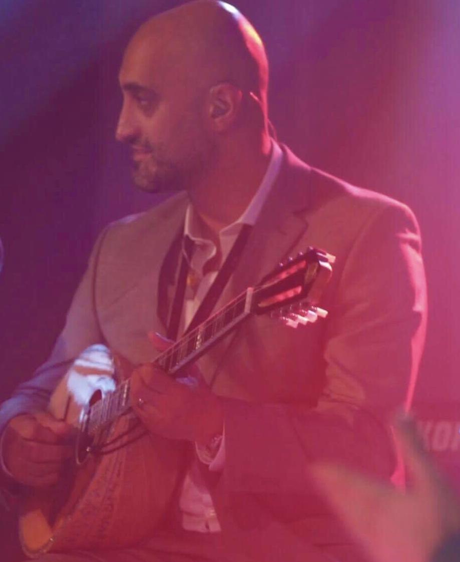 Chris Karayiannis - Bouzouki   Χρήστος Καραγιάννης - Μπουζούκι