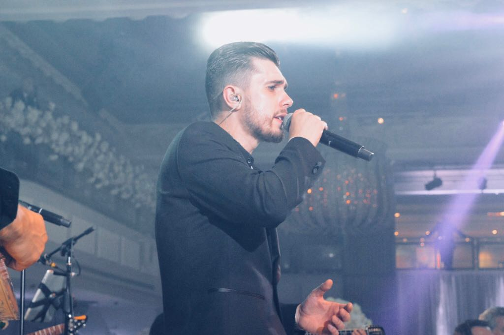 Valentino Antos - Lead Vocalist   Βαλεντίνος Άντος- Τραγούδι