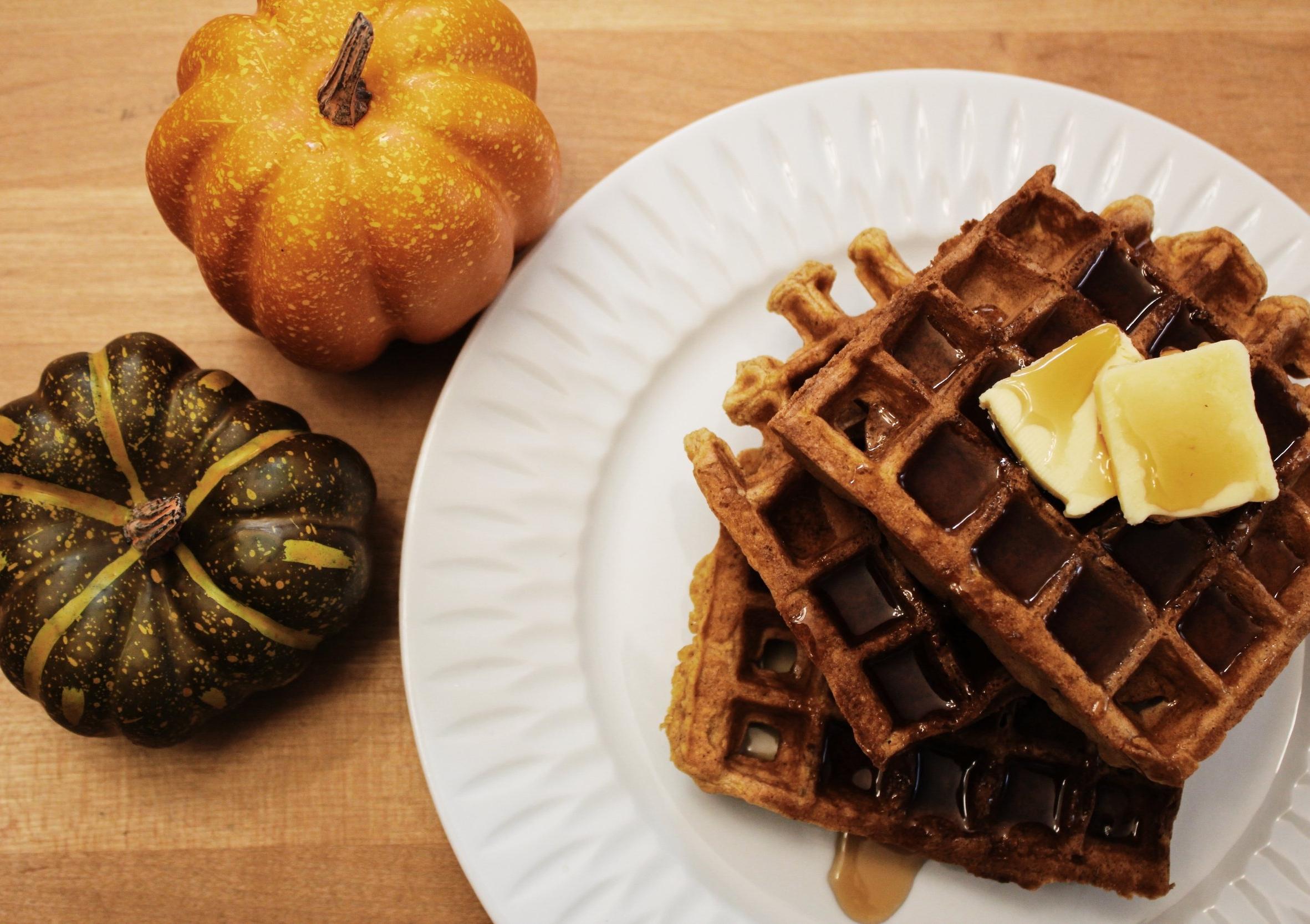 Spiced pumpkin waffles3.JPG